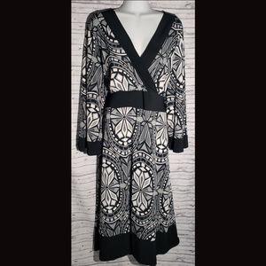 Soft by Avenue Black & White Dress ~ Size 22/24